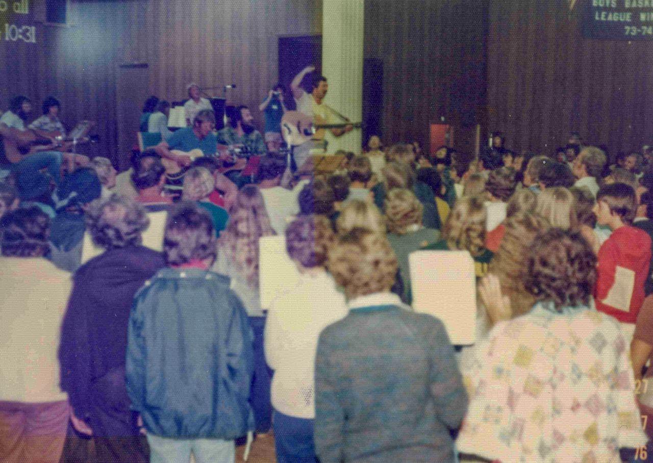 1976 - Song leaders